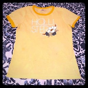 ⭐️ yellow Hollister crewneck tee